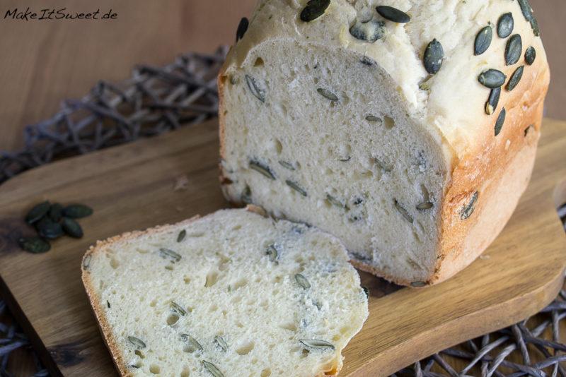 Kuerbiskernbrot Joghurt Rezept BBA Brotbackautomat einfach