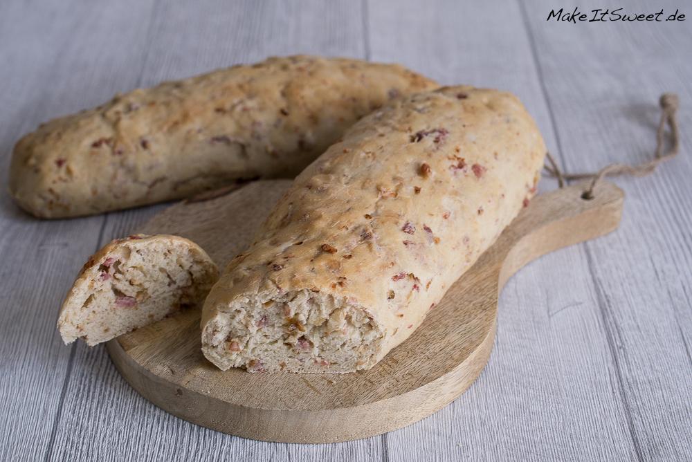 Speck Roestzwiebeln Baguette Rezept grillen einfach schnell Hefeteig