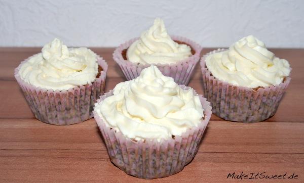 Mohn-Muffin-mit-Zitronentopping