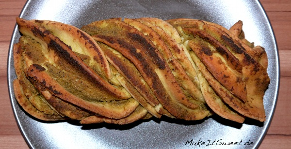 Pesto-Zupfbrot-Brot-Rezept-Pestobrot