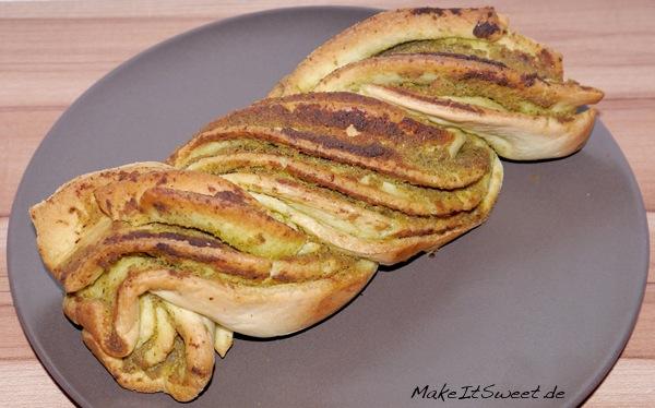 Pesto-Zupfbrot-Brot-Rezept-einfach-mit-Anleitung