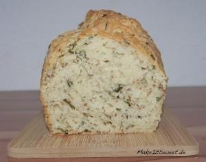 Sesam-Schnittlauch-Brot
