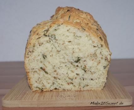 Schnittlauch-Sesam-Brot-Rezept-Brotbackautomat-und-Backofen