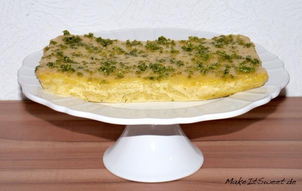 Zitronen-Joghurt-Kuchen-mit-Basilikumzucker-Rezept