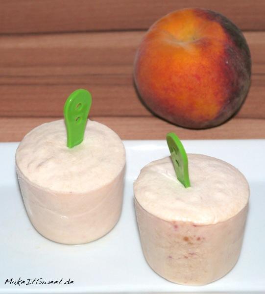 Pfirsich-Joghurt-Eis-mit-ohne-Eismaschine-im-Gefrierschrank