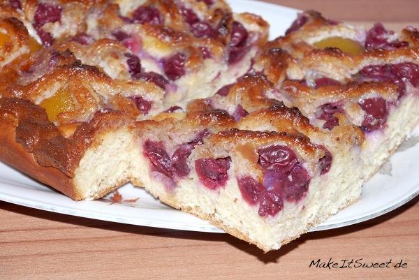 Kirsch-Aprikosen-Kuchen-mit-Mandeln-und-Marzipan-Rezept