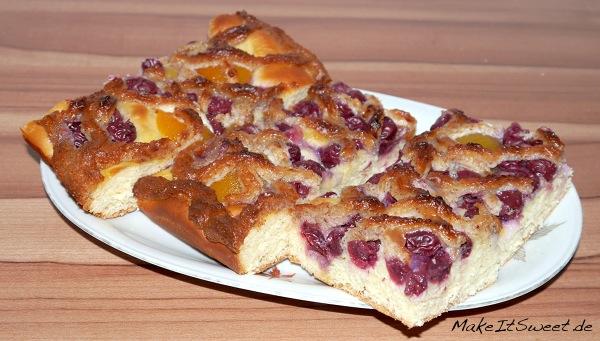 Kirsch-Aprikosen-Schnitten-mit-Marzipan-Rezept