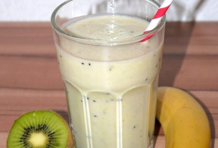 Kiwi-Bananen-Milchshake