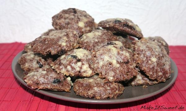 Cookies-mit-Beeren-Schokolade-zu-Weihnachten-Christmas-Cookies-Rezept