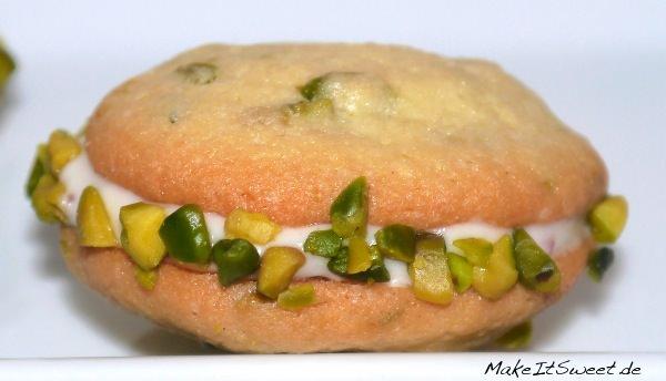 Pistazie-Whoopie-Pie-mit-Crannberry-Füllung-Rezept