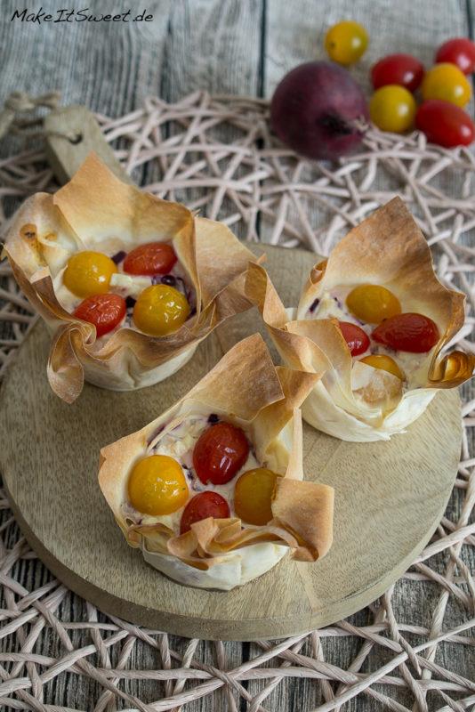 Tomaten Feta Schmand Zwiebeln Muffin Filoteig Rezept einfach