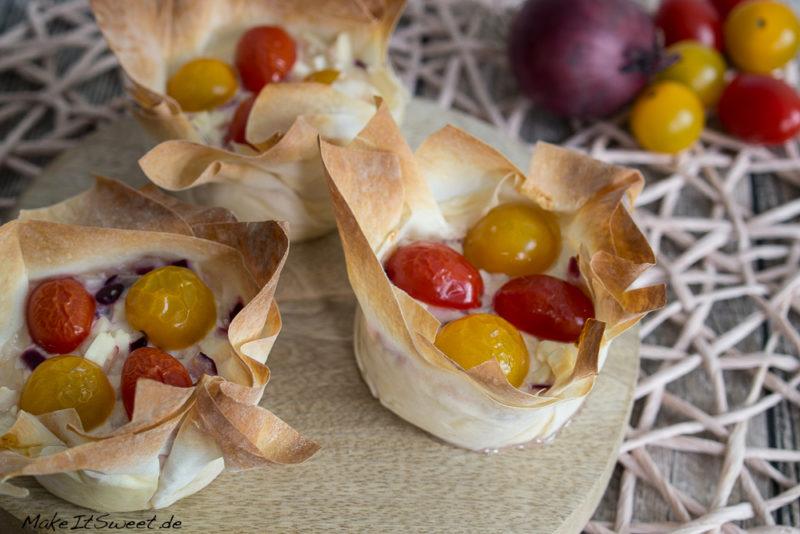 Tomaten Feta Schmand Zwiebeln Muffins Filoteig Rezept vegetarisch Fruehstueck Fingerfood