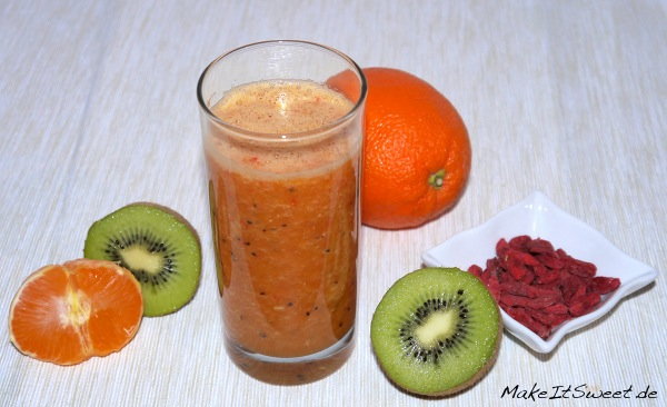 Kiwi-Mandarinen Smoothie mit Goji Beeren Rezept