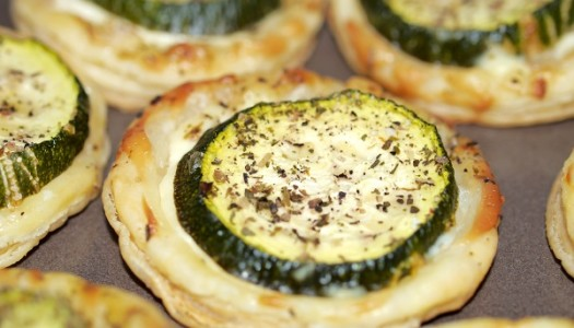 Zucchini-Blätterteig-Häppchen Rezept