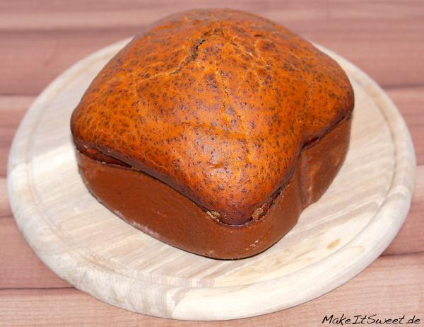 Tomaten-Mohn-Brot aus dem Brotbackautomat Rezept