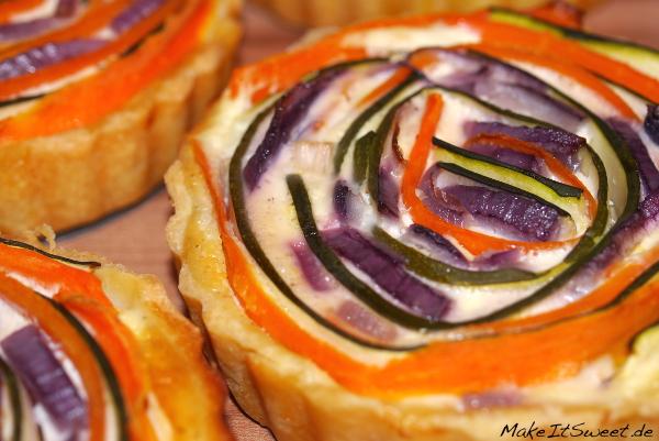 Gemuesequiche Rezept einfach backen Zucchini Karotte Zucchini