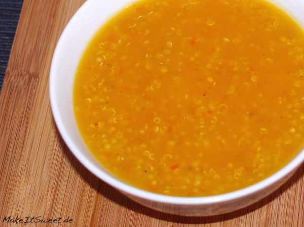 Quinoasuppe Rezept mit Kuerbis Suppe vegetarisch vegan