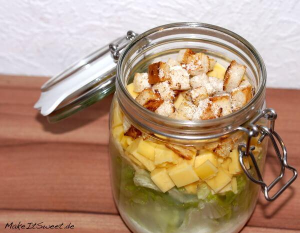 Caesars Salad Salat im Glas Blattsalat Gouda Croutons Rezept