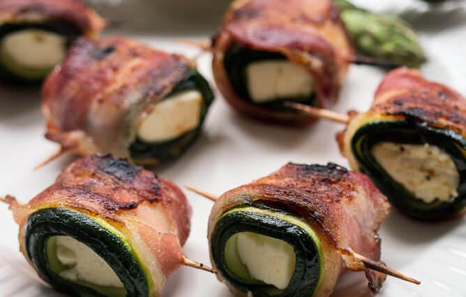 Zucchini Bacon Feta Roellchen Grillen Rezept Grillbeilage schnell einfach