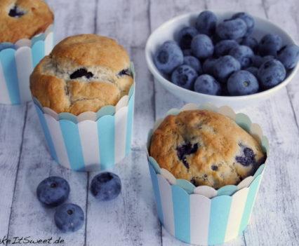 Veganer Muffins Rezept mit Blaubeere Banane Kokosmus ohne Zucker mit Stevia