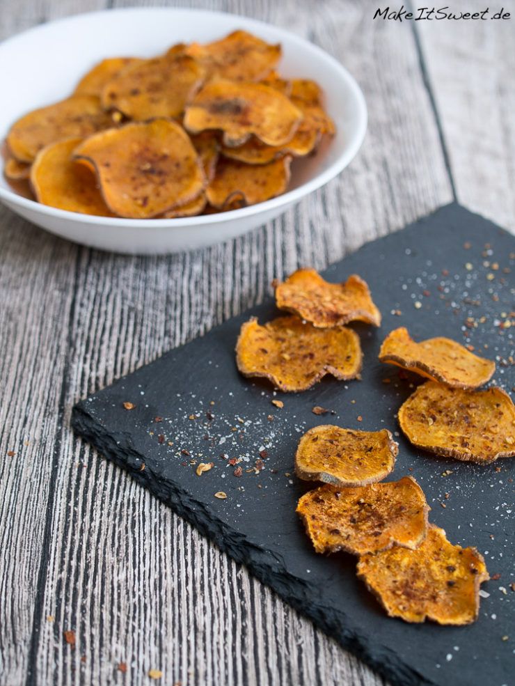 Suesskartoffel Chips RezeptSalz Pfeffer Chili Paprika