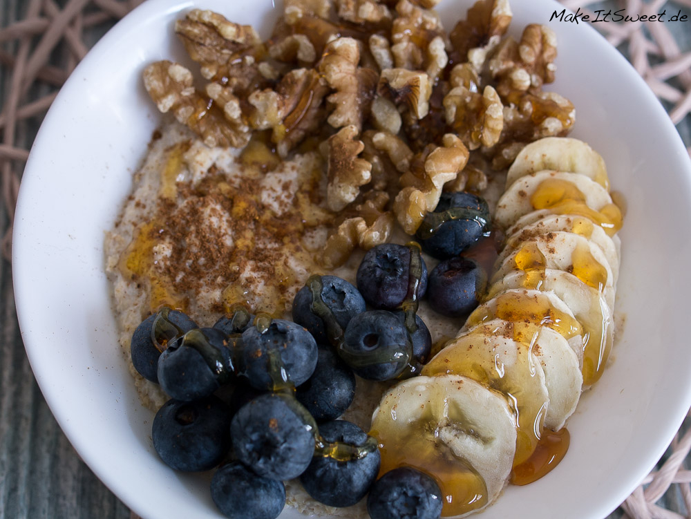 porridge mit blaubeeren banane und walnuss rezept. Black Bedroom Furniture Sets. Home Design Ideas