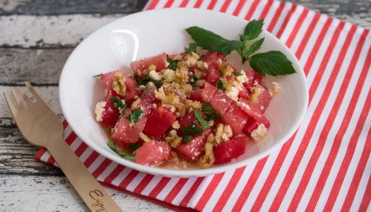 Wassermelone-Feta-Salat mit Minze und Walnuss Rezept