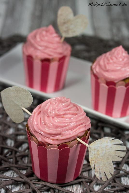 Himbeer-Muffin mit Himbeeren Topping Rezept Valentinstag Liebe Himbeere einfach lecker Dessert