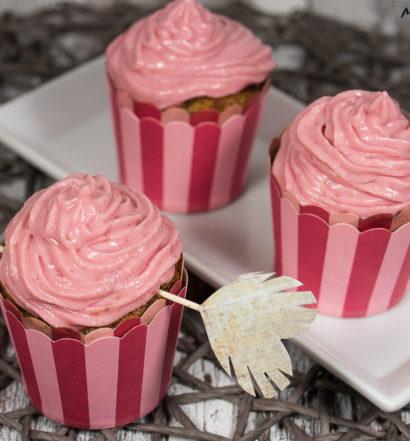 Himbeeren Cupcake mit Himbeeren Topping Rezept Liebe Valentinstag Nachtisch
