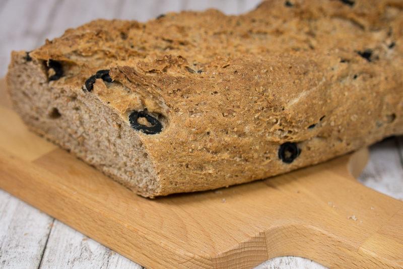 olivenbrot-mit-kraeuter-vollkorn-baguette-rezept-gesund