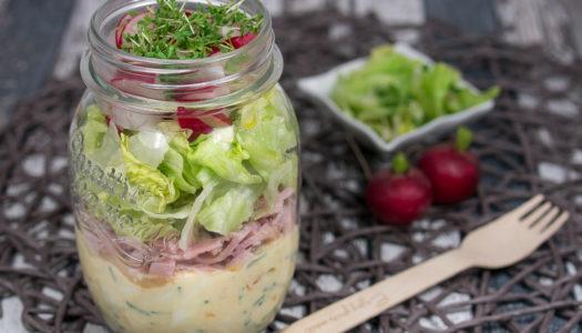 Eier-Schinken-Radieschen Salat im Glas Rezept