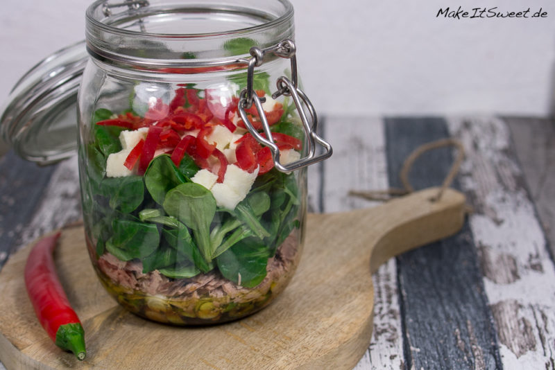 Feldsalat Thunfisch Mozzarella Salat im Glas Rezept schnell einfach Chili vorbereiten