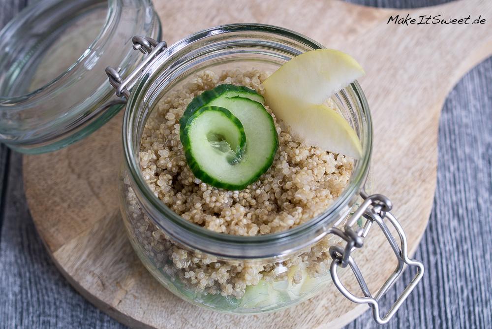 Quinoasalat mit Apfel Gurke im Glas Rezept zum Mitnehmen