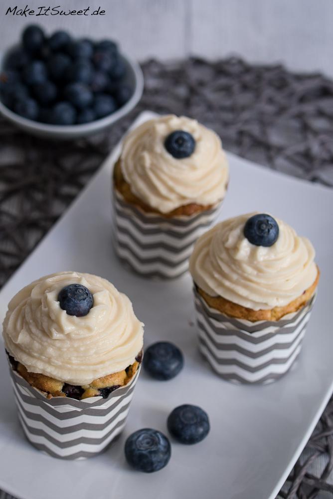 Blaubeere Muffins Heidelbeere mit Topping Spitz Sirup Heidi Rezept