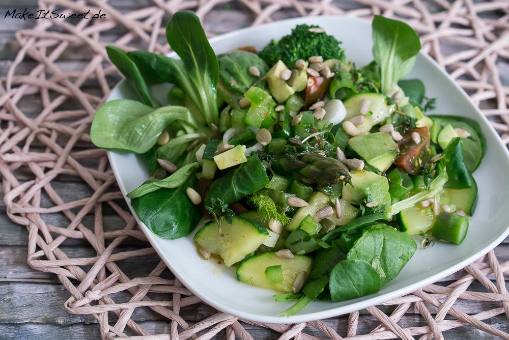 EDEKA Unsere Heimat echt und gut gruener Salat Brokkoli Zucchini Spargel Paprika Tomate Spinat Fenchel Honig Senf Chili Kerner Feldsalat Kresse Rezept