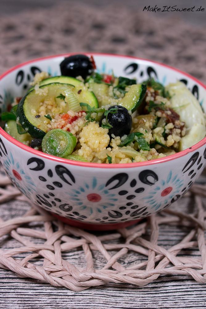 Mediterane Couscous Paprika Zucchini Tomate Olive Artichocke Kokosoel Bowl Buchvorstellung basisch clean green
