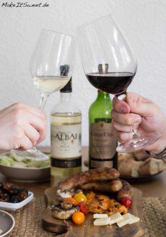 Rioja fuer Weingeniesser Grillen Wein Genuss Glas