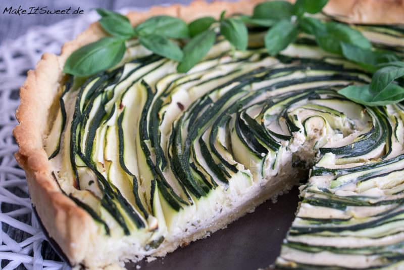 Zucchini-Basilikum-Tarte Rezept vegetarisch herzhaft